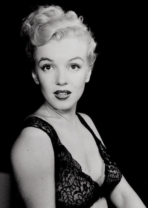 Famous actress Marilyn Monroe Vintage Posters For Home/Bar
