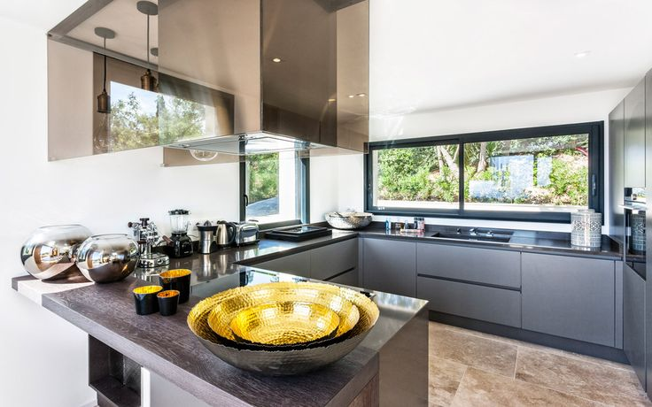 #france#luxuryvilla#vacations#St.Tropez#relax#lacurevillas#travel#luxuryvacation#lovelyviews#europe#kitchen
