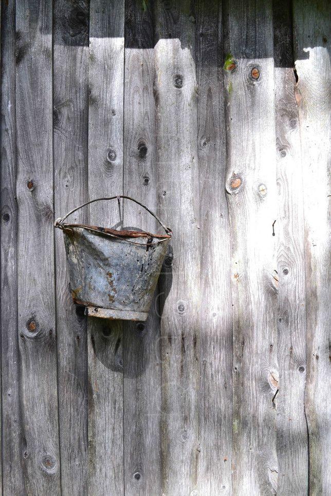 http://www.basichus.com/2013/07/09/old-bucket-17495806