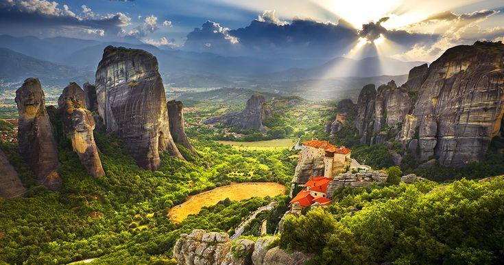 Το CNN αποθεώνει τα Μετέωρα: Τα θρυλικά μοναστήρια που αγγίζουν τον ουρανό - Τι λες τώρα;