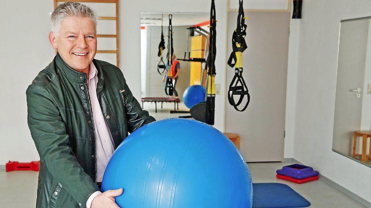 Ernst Dollwetzel - GZSZ-Star moderiert jetzt im Reha-Zentrum
