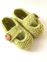 Modern and practical baby shoes knit in double knit weight yarn that will look great on either a boy or a girl. They are knitted flat, entirely in garter stitch, on two needles and are extremely quick and EASY to make.The pattern gives instructions for 5 sizes of shoe.Please be aware that there is no grip on the soles so they are only suitable for pre-walking babies.