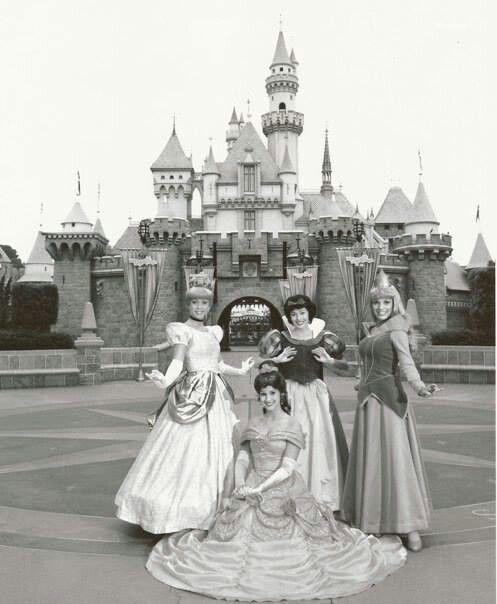 Vintage Disney Princesses......I still prefer the original looks.......but that's just me.