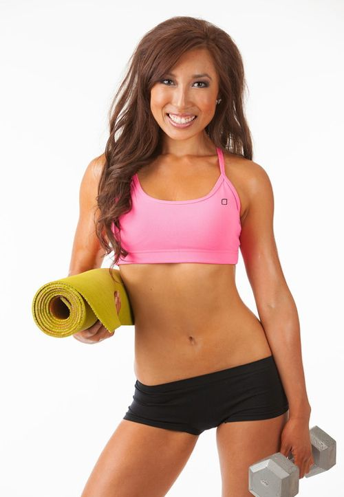::Interview with Blogilates creator Casey Ho <<< This inspiring Skinnista from Blogilates is our guest today. Click here to learn all about her dedication to Pilates, fitness and YouTube::