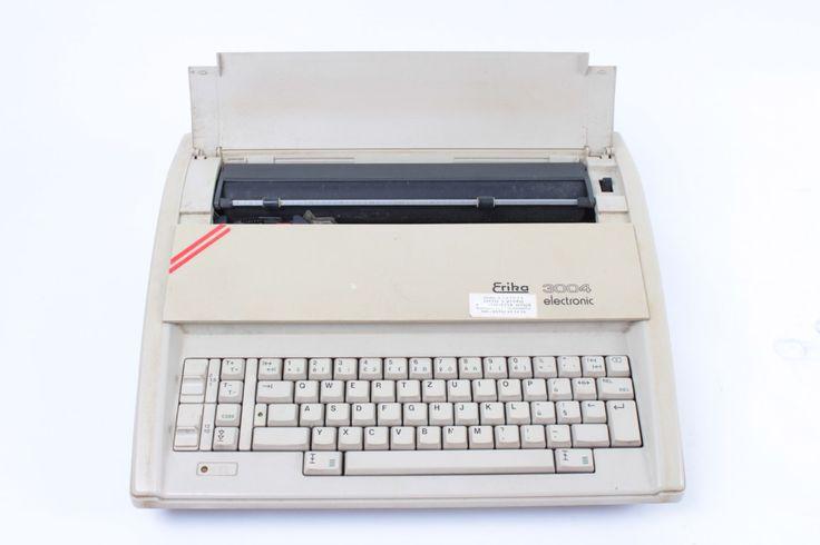 Elektrický psací stroj Robotron Erika 3004