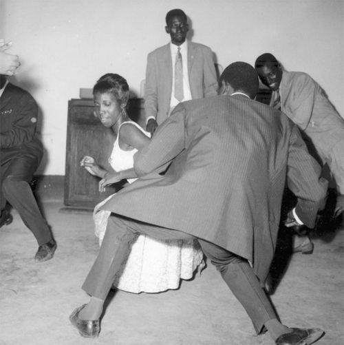 'Dancing the Twist', 1965. Photo by Malick Sidibe
