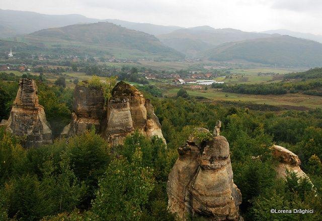 Gradina Zmeilor, Salaj, Romania. Un fel de Meteora in miniatura.