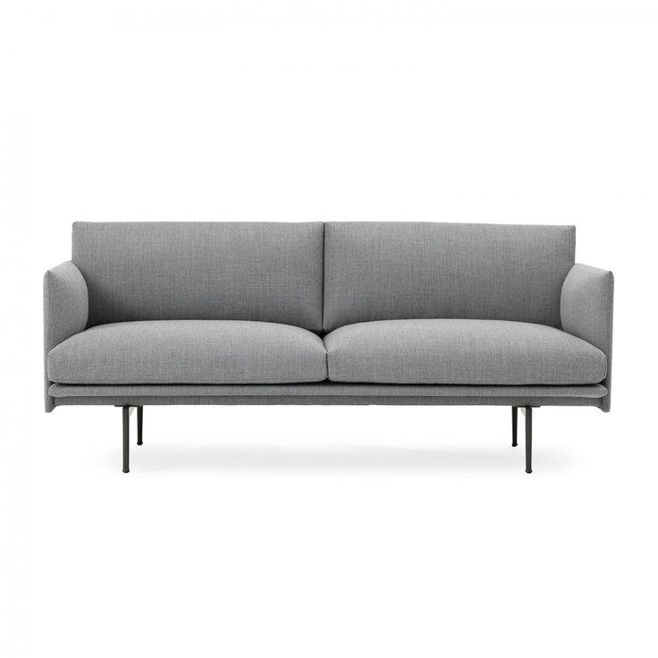 Outline är en elegant och tidlös loungesoffa från Muuto, med design av Andersson & Voll. Armstöd och rygg har smal utformning för att maximera sittytan och därmed komforten. Outline är byggd med stålram, träram, aluminiumben och kallskum/fjäder fyllning. Välj mellan ett antal olika tyger och läder.