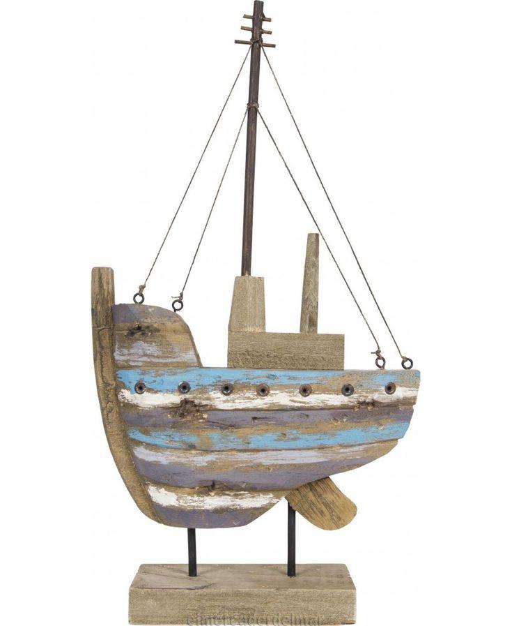 Resultado de imagen para barcos en madera recicladas