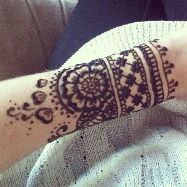 Mehndi For Arms : I want this henna arm band like now