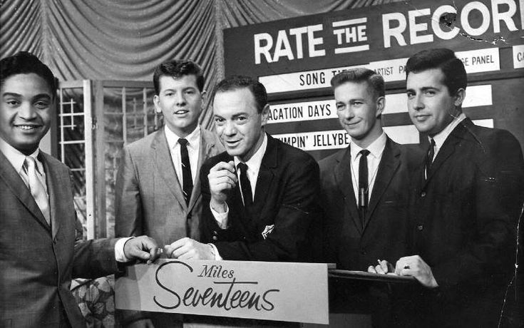 ALAN FREED. (71 foto's).Jackie Wilson, Jimmy Clanton and Dick Clark at American Bandstand Show. Whit Alan Freed.