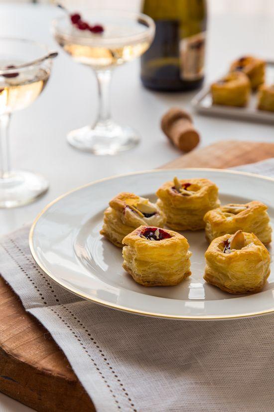 Vol au Vent Appetizers with Brie and Jam | JellyToastBlog.com