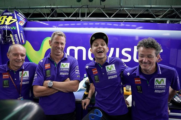 What helped Rossi to recover soon from his left leg Surgery. #rossi #surgery #recovered #valeyellow46 #valentino #rossi #yamaha #movistar #motogp #motogprider #valentinorossi46 #yamaharider #aragongp