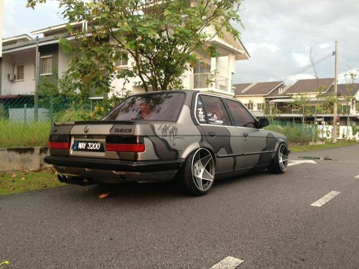 #BMW #E30 #M3 #320i #Slammed #Modified #Stance
