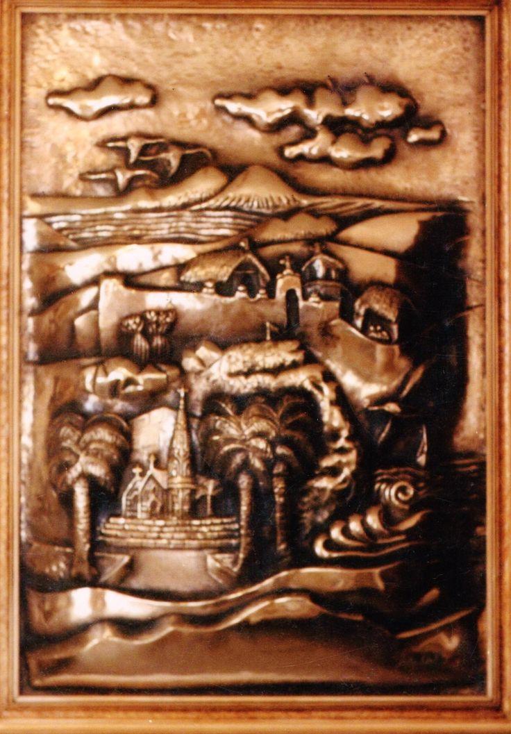 """""""Alegoría a la ciudad de Arica"""". (Chile). Repujado y Cincelado en Bronce."""