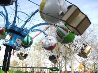 Carowinds Flying Ace Balloon Chase Planet Snoopy
