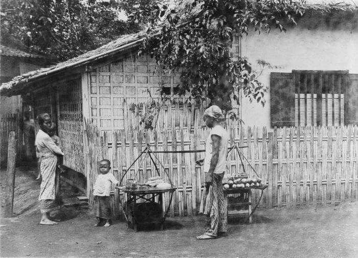 Pedagang keliling di Jakarta, 1910  (C) Tropenmuseum