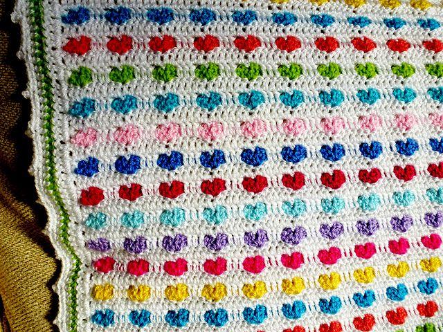 Ravelry: kerrypoos' Baby love heart Blanket Leads to FREE pattern