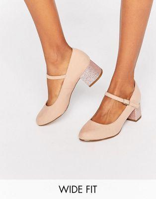 Zapatos de tacón en bloque con purpurina de corte ancho de New Look