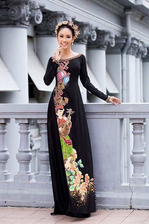 Bạn gái Trương Nam Thành làm mẫu áo dài đôi hình ảnh 5