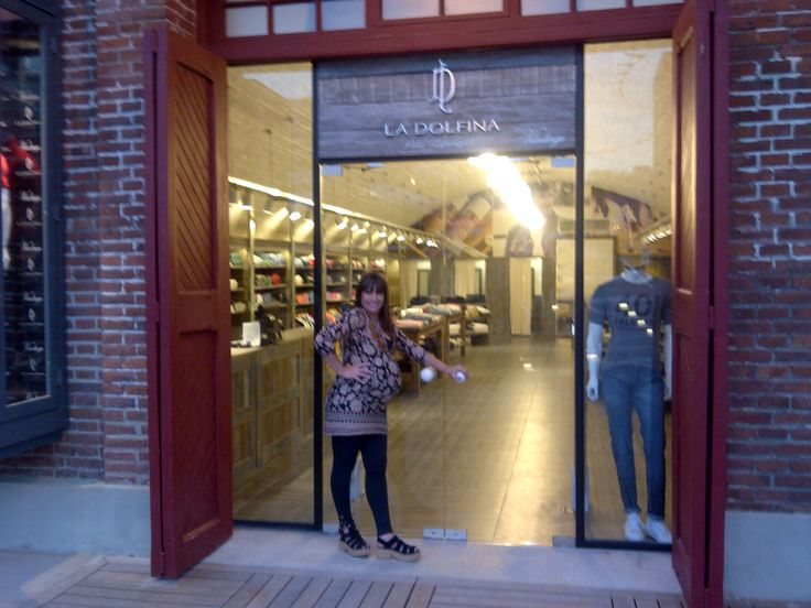 La Dolfina Shopping Distrito Arcos Buenos Aires. Arq. Ruth Jaitt Mail : arqjaitt@hotmail.com