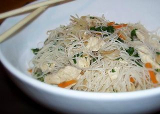 Make and share this Chicken Mei Fun recipe from Genius Kitchen.