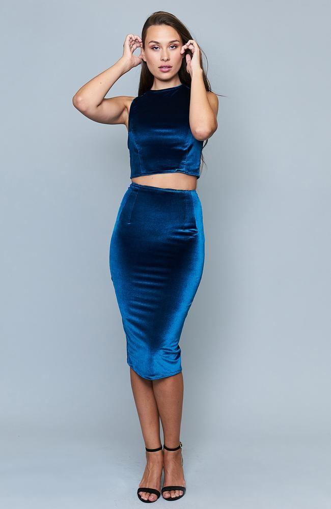 Bernetta Capri Velvet Skirt