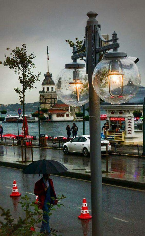 ✿ ❤ Kız kulesi, Üsküdar / Istanbul...İstanbul'da yağmurlu bir günün güzelliği.