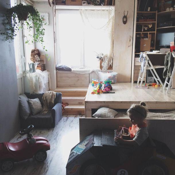 Квартира-трансформер Дарьи Гуленко — Полавкам. Great use of small space.