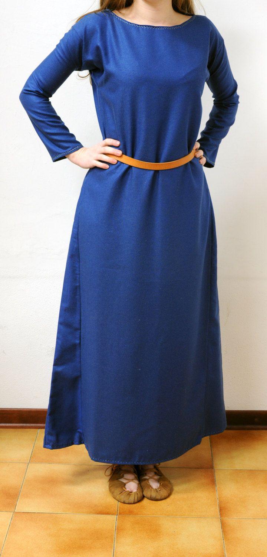 Abito medievale in lana blu da donna lungo (vichinghi, alamanni, longobardi)