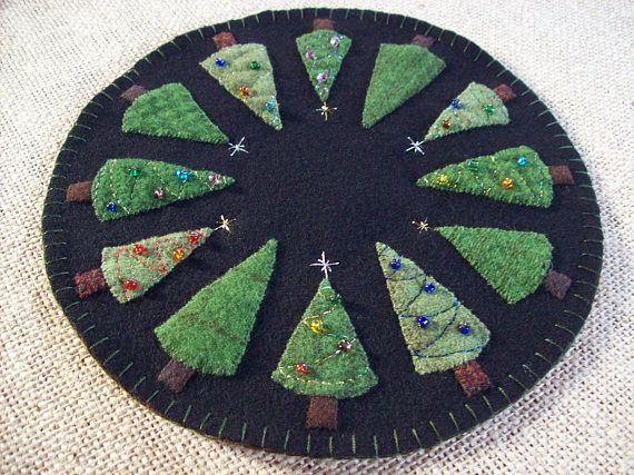 O' Christmas tree candle mat