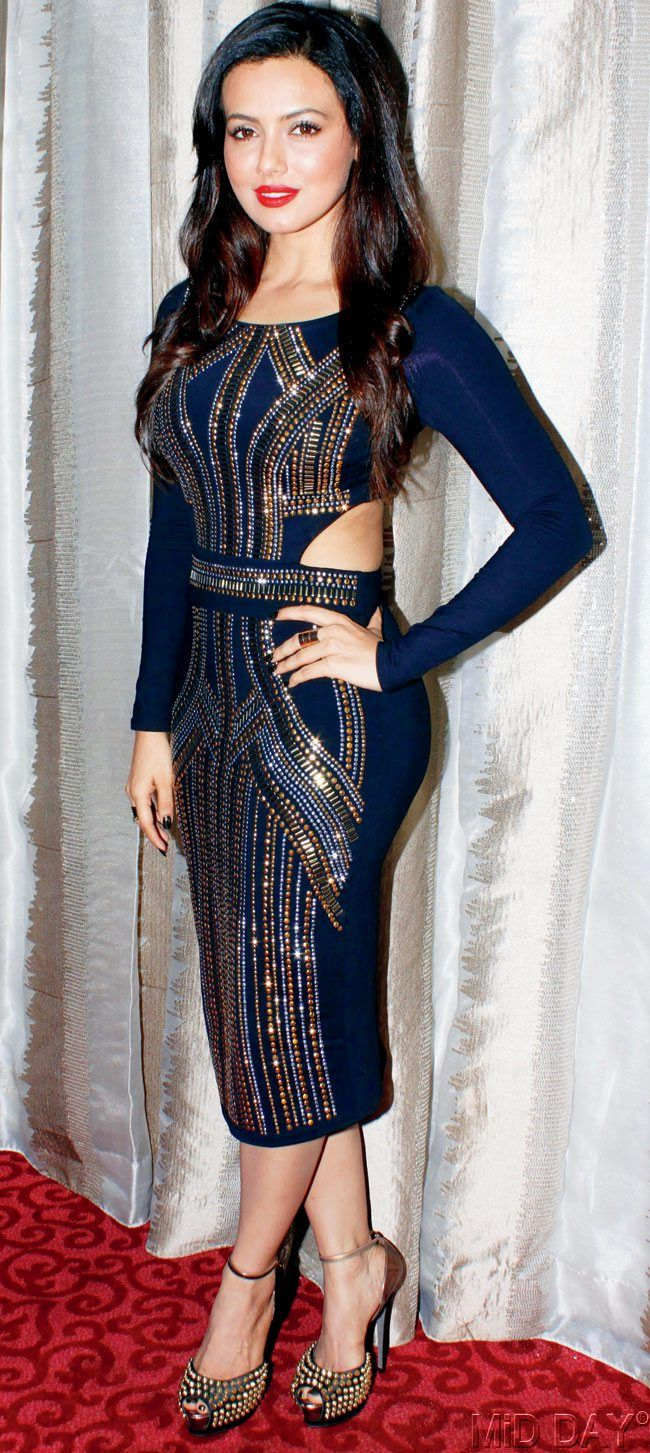 Sana Khan at a designer showcase. #Bollywood #Fashion #Style #Beauty