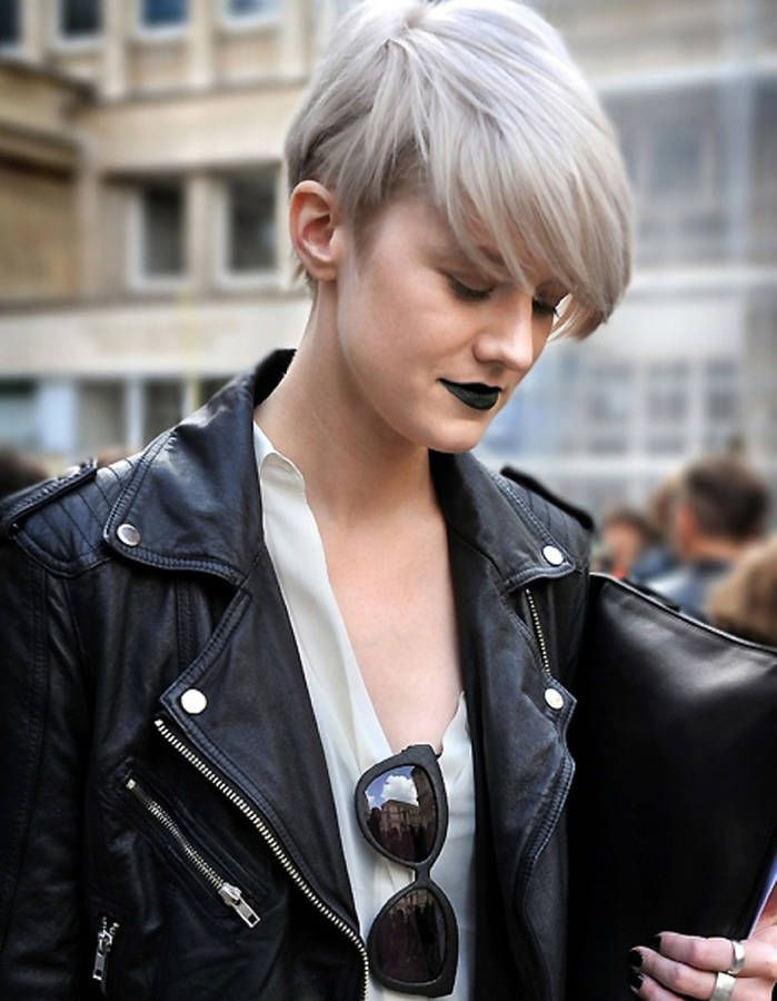 101 best images about Coupes courtes | Short hair on Pinterest | Coiffures, Bobs and Coupes courtes
