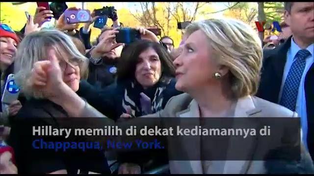 Hillary Clinton dan Donald Trump telah menggunakan hak pilihnya Selasa pagi. Keduanya memilih di New York, namun di lokasi yang berbeda. Siapa menurut Anda yang menang?