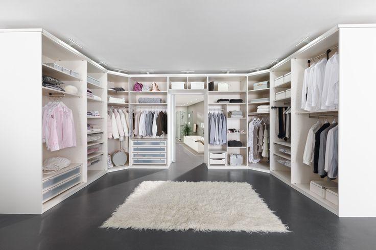 Good My Way begehbarer Kleiderschrank in Wei Matt und Lack Wei Kleiderschrank Ideen Pinterest Dressing room Room and House