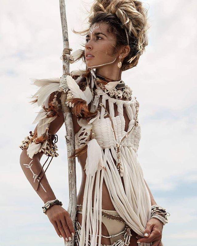 Feathers headpiece by @mockni  Photo by @photophangan  Style by @artphangan  Model @alisa.belochkina  Necklace by @andi_bagus  Top by @fancinasalvaje  #boho #dreadhead #dreadlocks #dreadstyle #dreadgirls #feathers #headpiece #festival #feshion #headband #tribal #hippie #gypsystyle #bohemian #gypsy #wild #бохошик #бохо #хиппи #Панган #копанган #Таиланд #пляж #дредлоки #волосы #дреды