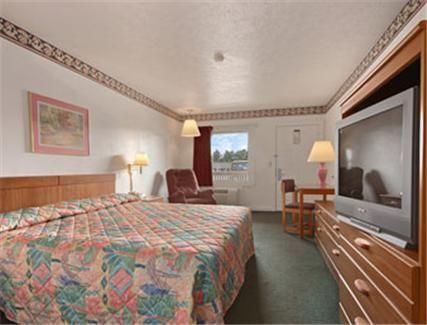 Super 8 Motel Christiansburg - 2 Star #Motels - $53 - #Hotels #UnitedStatesofAmerica #Christiansburg http://www.justigo.ws/hotels/united-states-of-america/christiansburg/super-8-motel-east_110898.html