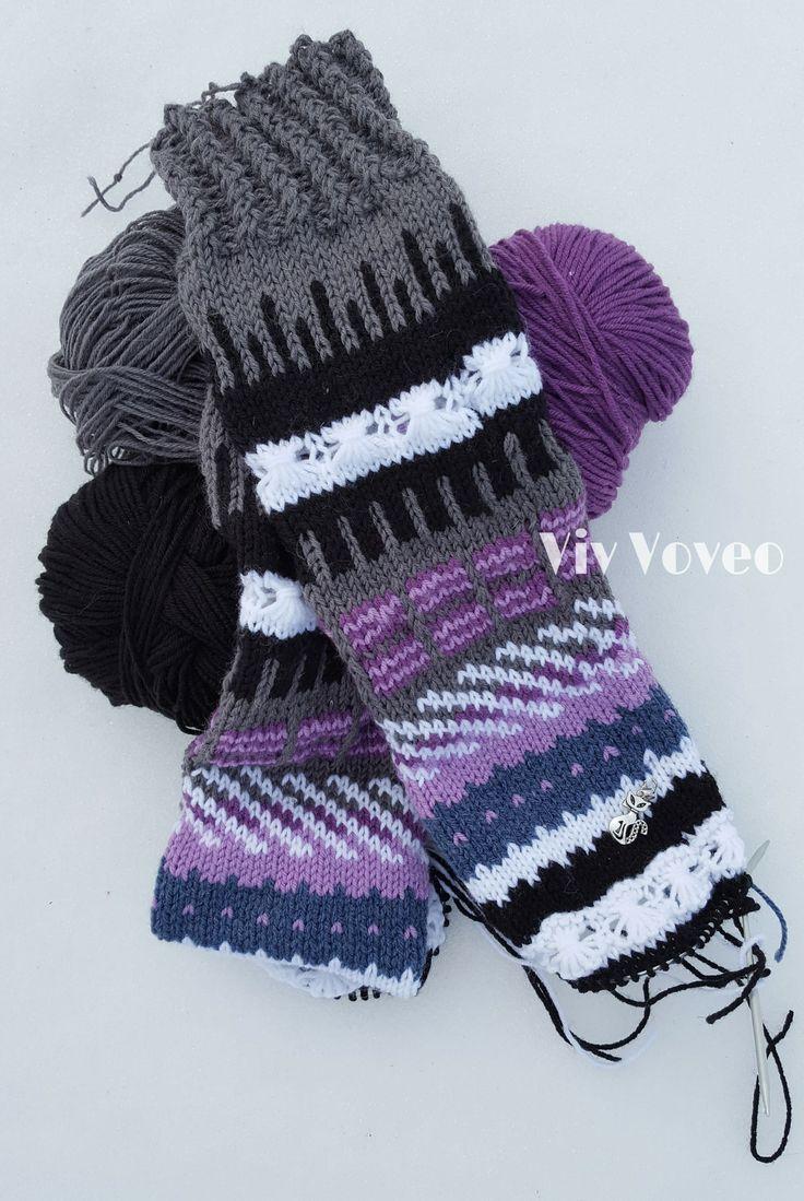 Knitted socks   Bas finlandais en devenir :)  Sur commande