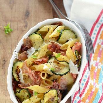 Pasta al forno con zucchine e speck - Ricetta Pasta al forno con zucchine e…