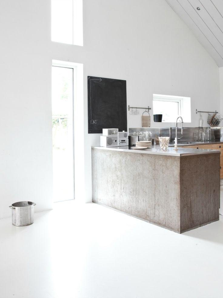 White interior Inspiration HEM minimalist kitchen | interior design. Innenarchitektur . design d'intérieur | Photo: Anna Leena @ annaleenashem |
