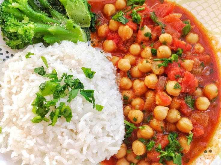 Find some meatless Monday inspiration with this tikka masala chickpeas. Full of great flavour and spices and easy to through together during the week.