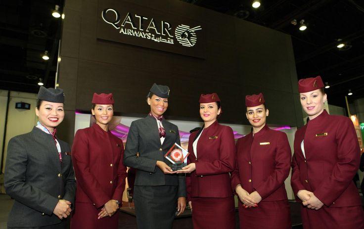 Uniformes hôtesse de l'air: Qatar Airways. Qatar.