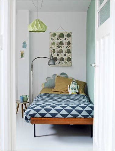 triangle print bedding + pleated pendant lamp (the boo and the boy: eclectic kids' rooms)