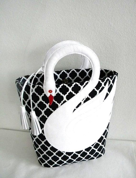 Love the handle!  Quatrefoil Pattern White Leather Swan Bag Tote Purse