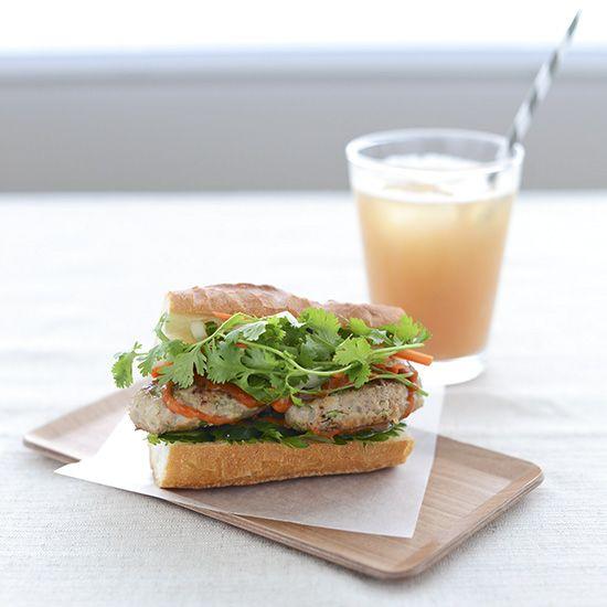 【料理家さんの定番おやつ】foodmoodなかしましほさんの、ベトナム風サンドイッチ「バインミー」