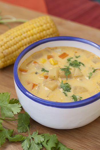 Si queréis probar una sopa diferente tenéis que preparar esta sopa de maíz. Queda realmente buena y además comemos maiz de un modo menos habitual
