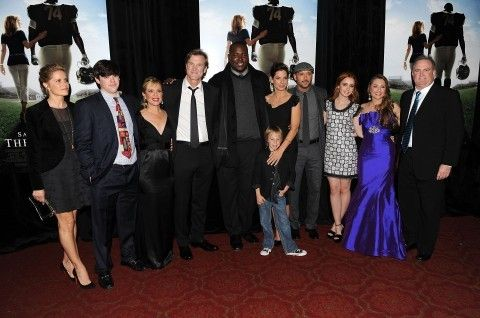 'Blind Side' family cheers on Michael Oher — and dabs — at the Super Bowl - The Washington Post
