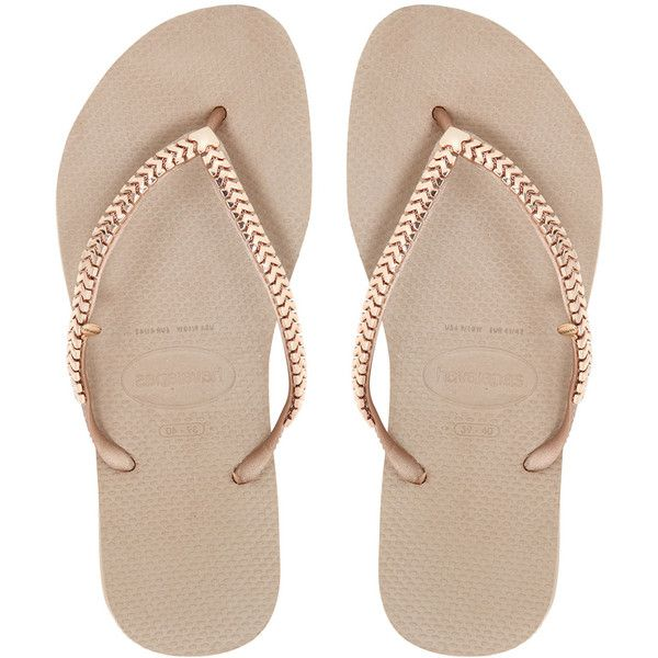 HAVAIANAS Slim Chain Rubber Flip Flops ($88) ❤ liked on Polyvore featuring shoes, sandals, flip flops, flats, sapatos, rose gold, rubber sole shoes, flat pumps, rubber sole flip flops and metallic flats