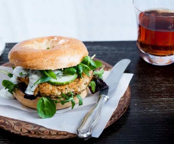 Recept: Zalmburger met kappertjesmayonaise | Gezond Eten Magazine