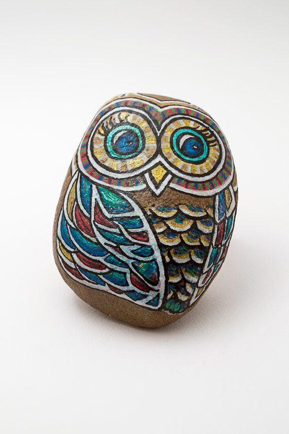 SOLD | Colorful Owl stone, hand painted, one of a by Bijoux26Creations